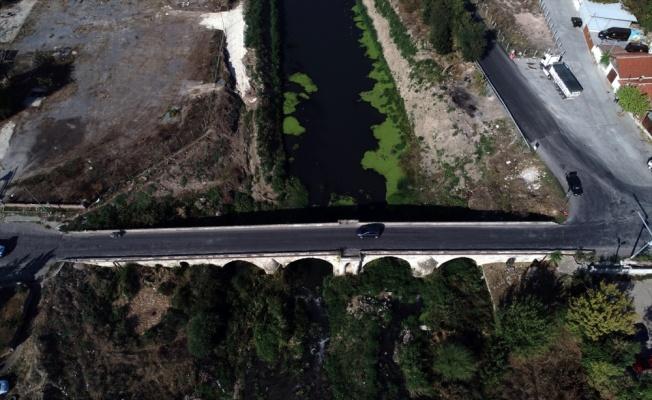 Tarihi köprü zarar görmemesi için ağır vasıta araçlara kapatıldı