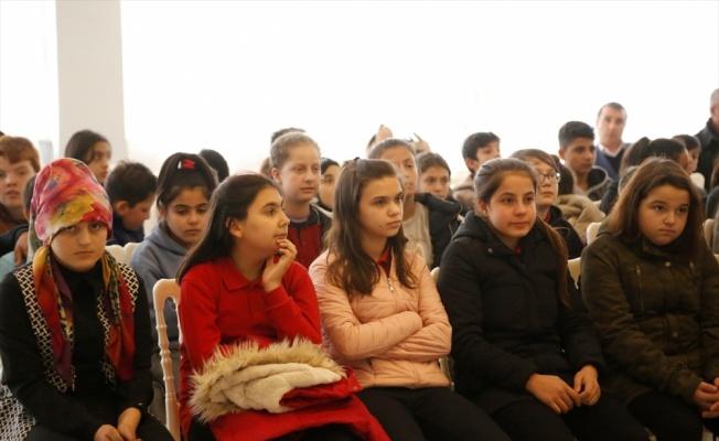 Tekirdağ'da THY personelleri gökyüzündeki tecrübelerini öğrencilere anlattı