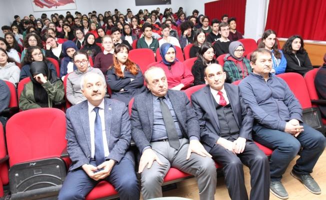 Başkan, Kariyer Günü'nde gençlerin yanında