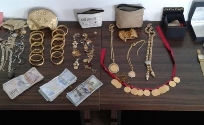 Bursa'da 4 evden ziynet eşyası çalan 3 kişilik aile tutuklandı