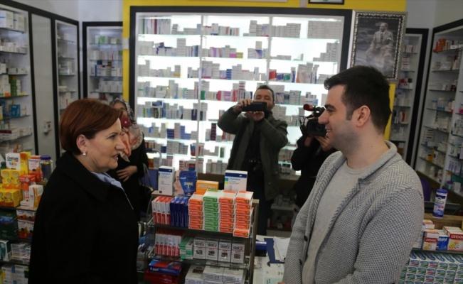 İYİ Parti Genel Başkanı Akşener'den Bursa'da esnaf ziyareti