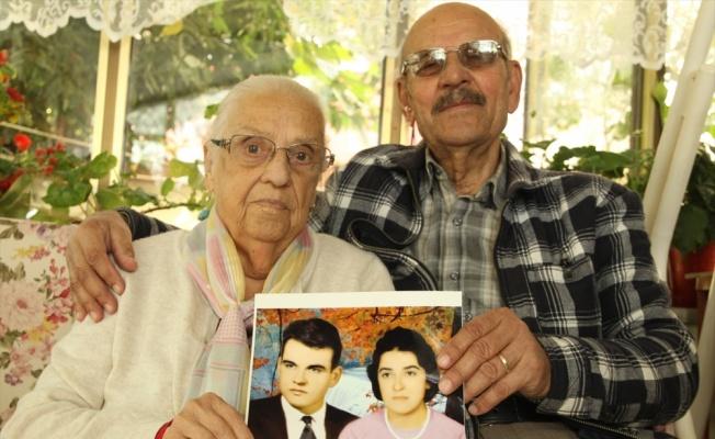 Kadir amca 57 yıllık öğretmen eşini sevgiyle anıyor