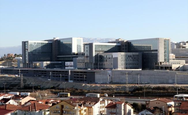 Kocaeli Şehir Hastanesi yükseliyor