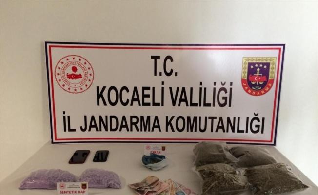 Kocaeli'de şüpheli araçta uyuşturucu bulundu
