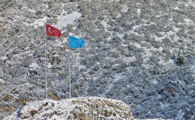 Şeyh Edebali Türbesi kar yağışı ile beyaza büründü