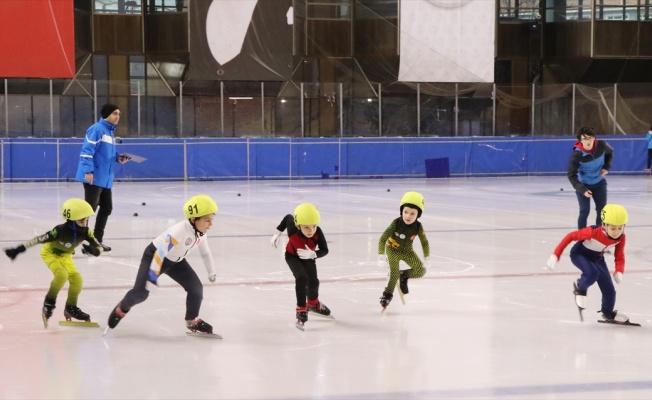 Short Track Federasyon Kupası-4 yarışları Kocaeli'de başladı