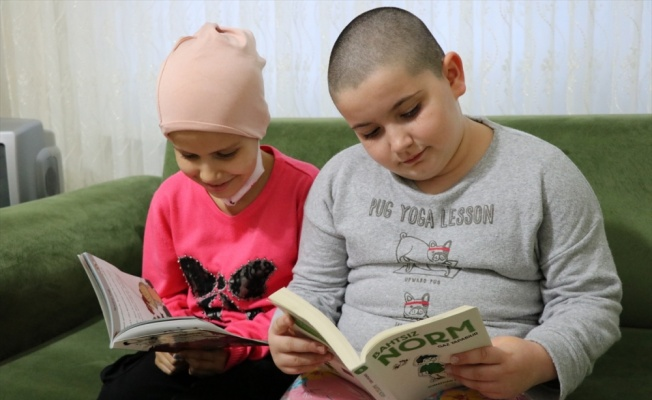 Yalovalı küçük Senanur kanser olan arkadaşı üzülmesin diye saçını kazıttı