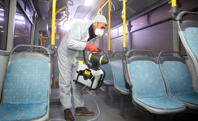 Çayırova'da özel halk otobüsleri dezenfekte edildi