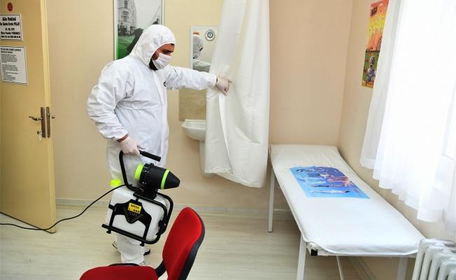 Sağlık ocakları ve eczaneler dezenfekte ediliyor