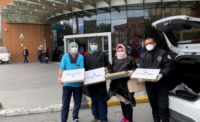 Tatlı üreticilerinden sağlık çalışanlarına baklavalı teşekkür