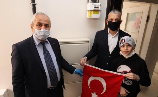 Başkan Büyükgöz'den gazi çocuklarına hediyeler