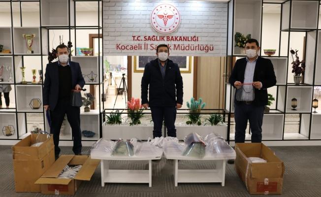 Kamu kurumlarına maskeler dağıtıldı