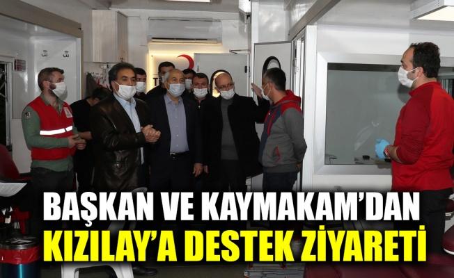 Başkan ve Kaymakam'dan, Kızılay'a destek ziyareti