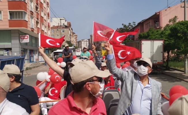 Gebze'de vatandaşlar bayram coşkusuna evlerinden eşlik etti
