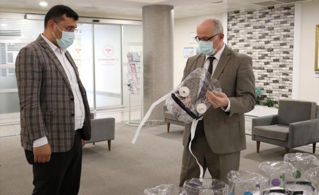 Kocaeli'de Kovid-19 hastaları için helmet maske üretildi