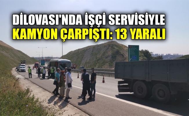 Dilovası'nda işçi servisiyle kamyon çarpıştı: 13 yaralı