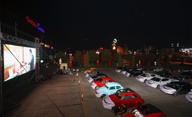 Gebze Center'da arabalı açık hava sineması günleri başladı