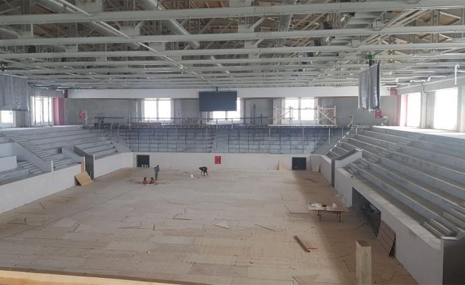 Darıca'nın dev spor salonunda iç mekan işleri hızlandı
