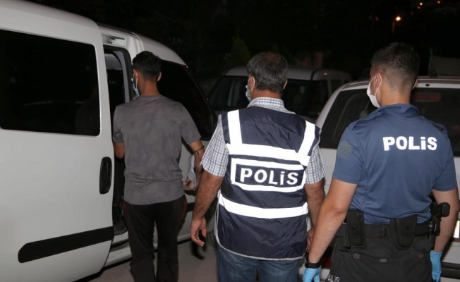 Kocaeli'de aranan kişilere yönelik operasyonda 26 kişi yakalandı