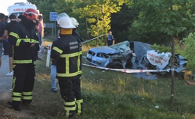 Kocaeli'de otomobille kamyon çarpıştı: 5 ölü