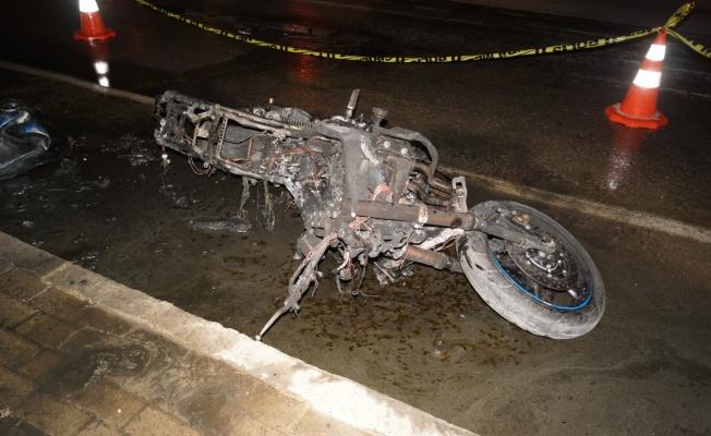 Traktöre çarpan motosikletin sürücüsü öldü