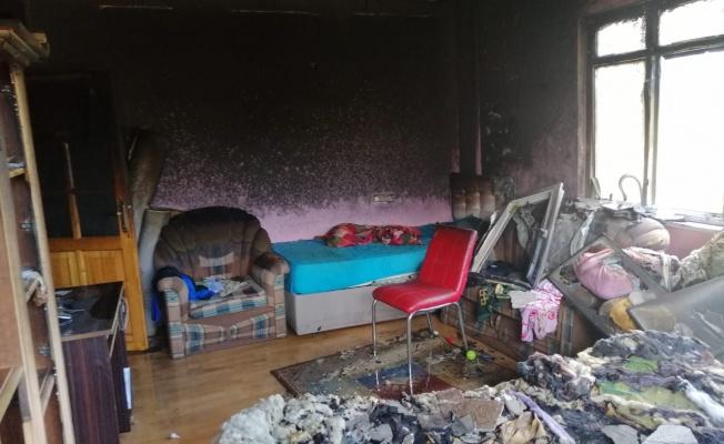 Yangın çıkan evde mahsur kalan engelli kişiyi itfaiye kurtardı