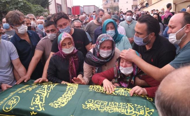 Gebze'de döküm fabrikasında hayatını kaybeden işçi, toprağa verildi