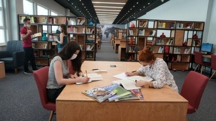 İzmit Belediyesi Kütüphanesi kapılarını açıyor
