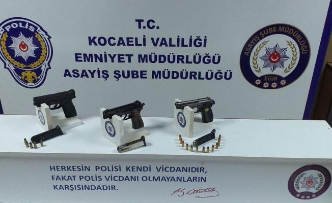 Kocaeli'de iş yerini kurşunladıkları iddiasıyla 2 şüpheli tutuklandı