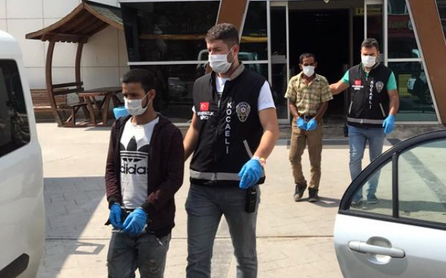 Kocaeli'de otomobil hırsızlığı şüphelileri yakalandı