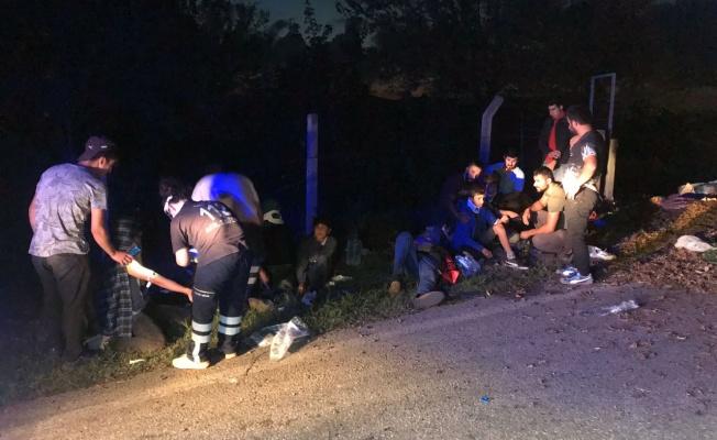 Tarım işçilerini taşıyan traktör devrildi: 15 yaralı