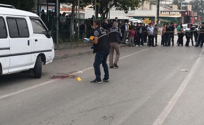 Alacak verecek nedeniyle çıkan silahlı kavgada 2 kişi yaralandı