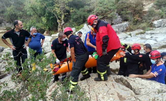 Ballıkayalar'da kayalıklardan düşen dağcı kurtarıldı
