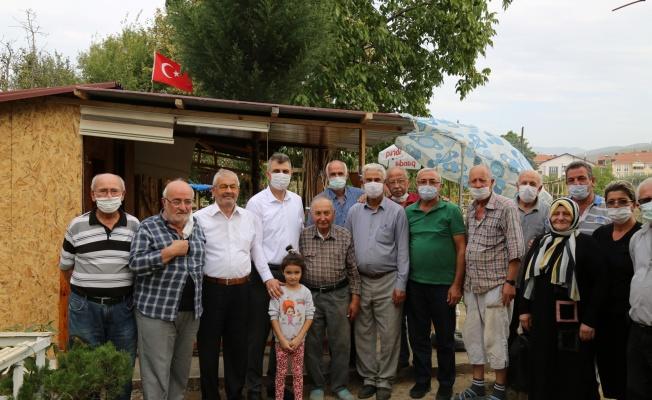 Başkan Sezer hobi bahçelerinde emeklilerle buluştu
