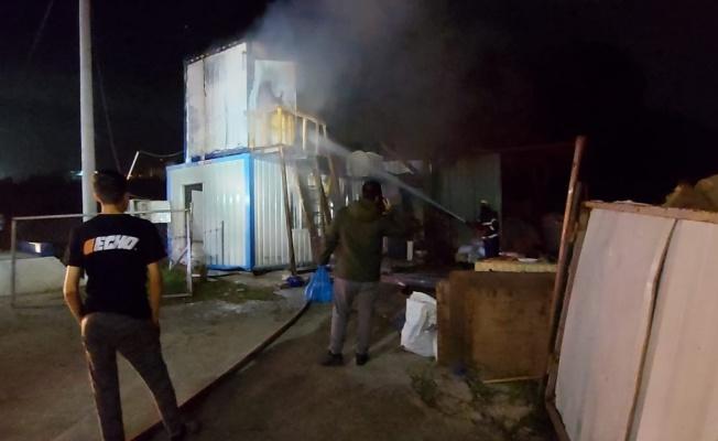 Gebze'de konteyner yangını