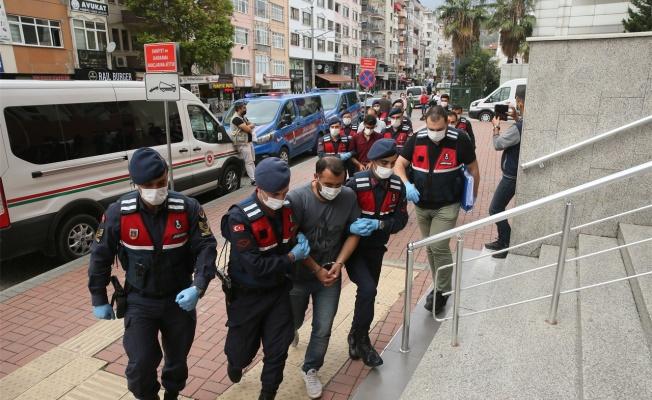 Kocaeli'de PKK'ya yönelik operasyonda yakalanan 4 şüpheli adliyede