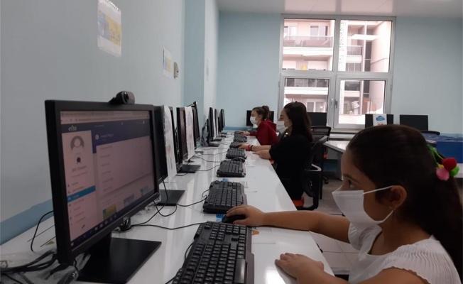 Öğrencilere 27 EBA erişim noktası