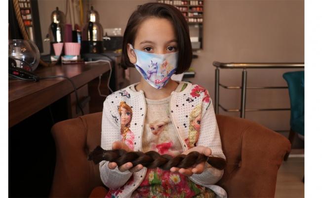11 yaşındaki Ece, saçlarını lösemili kız çocukları için bağışladı