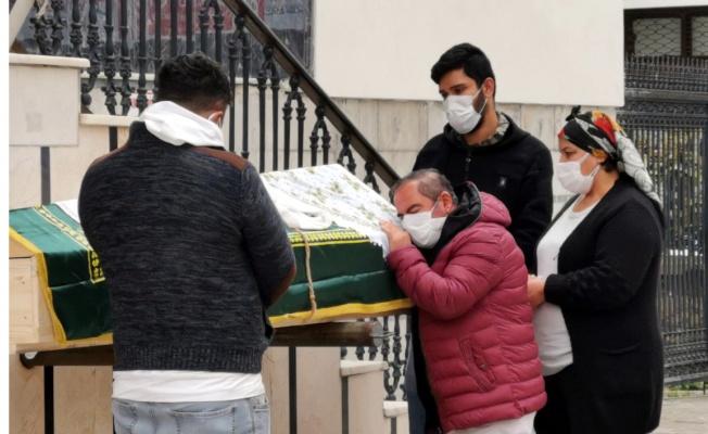 Gebze'de cipin çarpması sonucu ölen kadın toprağa verildi
