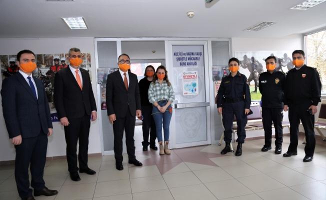 Gölcük'te Kadına Yönelik Şiddetle Mücadele Günü etkinlikleri