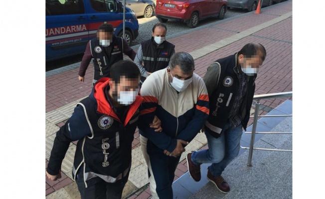 Kocaeli'de sahte dolar ile alışveriş yapan 2 şüpheli tutuklandı