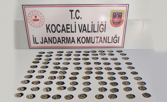 Kocaeli'de tarihi eser niteliğinde olduğu değerlendirilen 100 sikke ele geçirildi