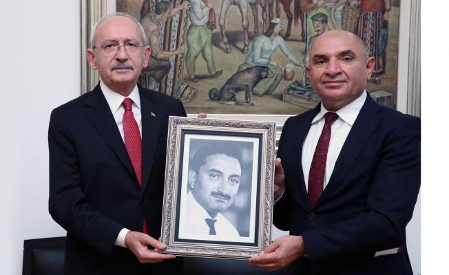 Tarhan'dan, Kılıçdaroğlu'na Bülent Ecevit sürprizi