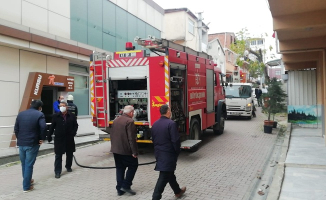 Darıca'da iş hanında çıkan yangın söndürüldü