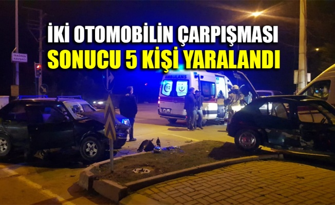 İki otomobilin çarpışması sonucu 5 kişi yaralandı