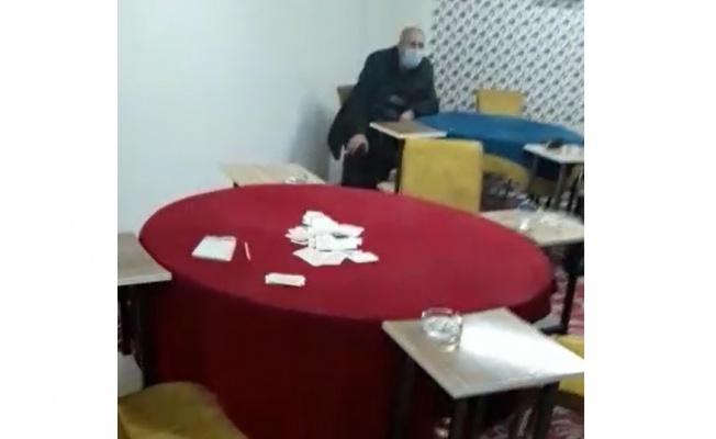Kıraathanede kumar oynayan 9 kişi yakalandı