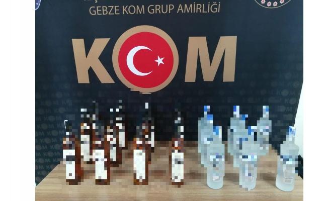 Kocaeli'de gümrük kaçağı içki ve telefon yakalandı