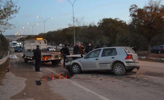 Otomobil ile çarpışan mazot yüklü tanker şarampole devrildi: 2 yaralı
