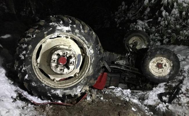 Traktör devrilmesi sonucu 1 kişi öldü, 1 kişi yaralandı