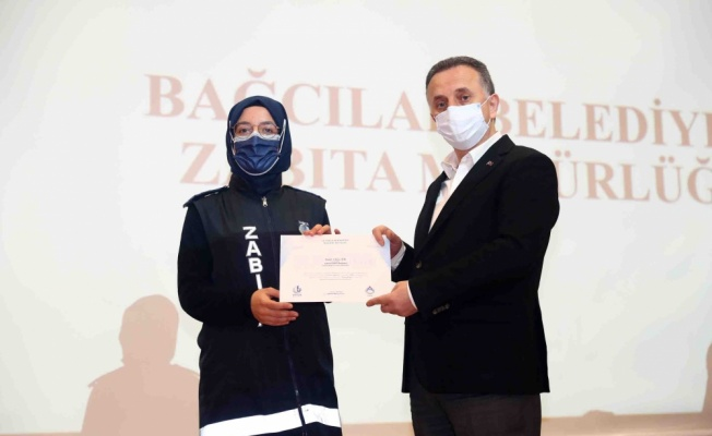 Bağcılar Belediye Başkanı Çağırıcı'dan zabıta ekiplerine teşekkür plaketi